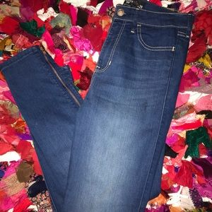Hollister cropped-ankle zipper jeans